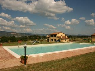 Podere Marcigliano - Torreone Camucia - Camucia vacation rentals