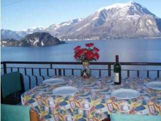 Appartamento meravigliosa vista lago Varenna - Varenna vacation rentals