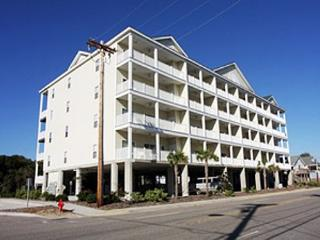 Spacious 6 bedroom, 5 bathroom, 2nd row condo - North Myrtle Beach vacation rentals