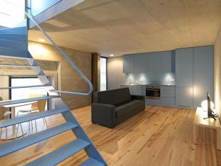 Breiner Panorama VI apartment in Cedofeita with WiFi & gedeeld terras. - Porto vacation rentals