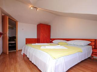 Apartment located on the third floor of the house - Bol vacation rentals