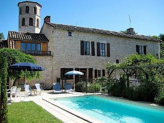 Le Presbytere - beautiful 15th century stone house - Cahuzac-sur-Vere vacation rentals