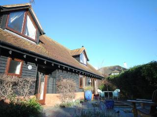 Tranquil Cottage close to Chichester Marina - Birdham vacation rentals