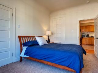 Stunning One Bedroom One Bathroom Apartment - San Francisco vacation rentals