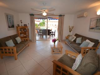 Nice Villa with Deck and Internet Access - Jolly Harbour vacation rentals