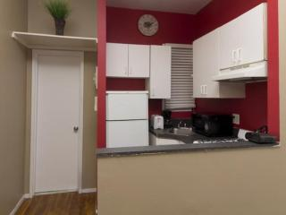 Homey 2 Bedroom Apartment in New York - Updated Kitchen - New York City vacation rentals