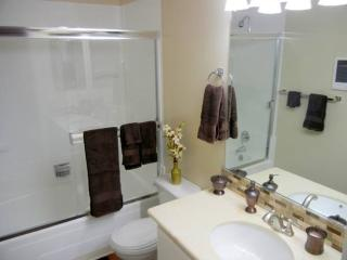 STUNNING 1 BEDROOM APARTMENT - Cupertino vacation rentals