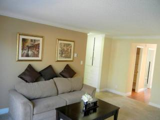 STUNNING AND FURNISHED 1 BEDROOM APARTMENT - Cupertino vacation rentals