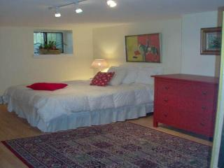 Furnished 3-Bedroom Duplex at Bedford Ave & Lincoln Pl Brooklyn - New York City vacation rentals