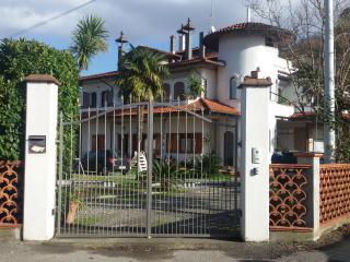 Appartamento nel Bianco Castello - Ortonovo vacation rentals