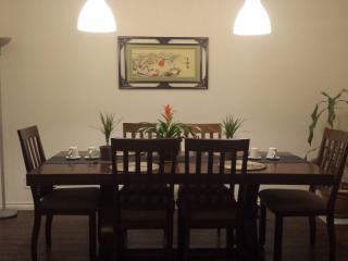 4 bedrooms house room rental seperately, parking - Ottawa vacation rentals