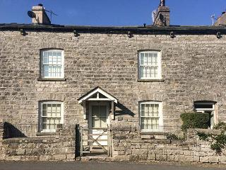 BARROW HOUSE character cottage, woodburning stove, en-suites, WiFi, garden in Grange-over-Sands Ref 929326 - Grange-over-Sands vacation rentals