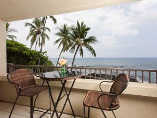 New Trip Advisor Direct Oceanfront Beauty-DEAL - Kailua-Kona vacation rentals