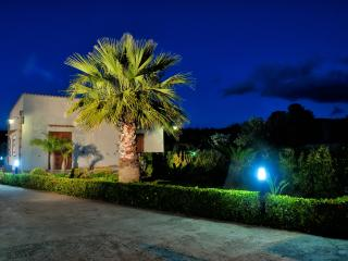 Nice Villa with A/C and Parking - Dattilo vacation rentals