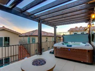 Bright home with a private hot tub & access to shared pools and a gym! - Santa Clara vacation rentals