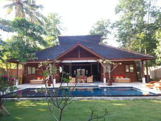 Stunning Pool Villa Close to Selong Belanak Beach - Selong Belanak vacation rentals
