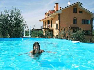 Casa Vacanze Mamma Gina a 10 minuti  dal mare - Acquaviva Picena vacation rentals