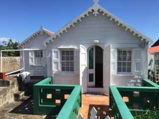 Lovely Cottage with Balcony and Patio - Windwardside vacation rentals