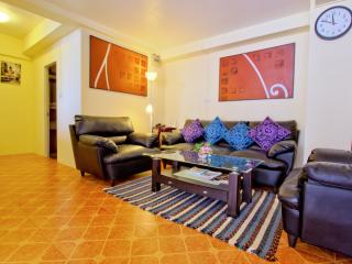 Very large 2 bedrooms condo, fully equipped. - Hua Hin vacation rentals