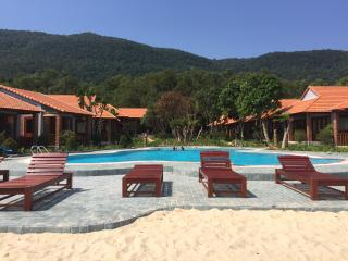 Nice Bungalow with Internet Access and Elevator Access - Ham Ninh vacation rentals