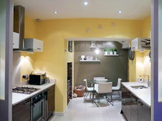 Sea front cottage overlooking Donaghadee harbour - Donaghadee vacation rentals