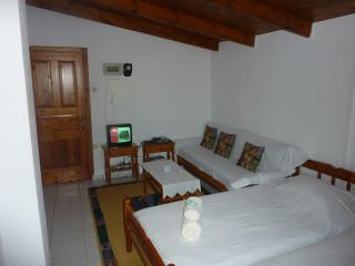 Nice Studio with Internet Access and A/C - Chios Town vacation rentals