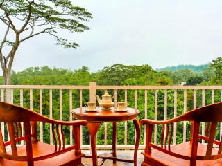 Beautiful Bed and Breakfast with Wireless Internet and Parking in Kandy - Kandy vacation rentals