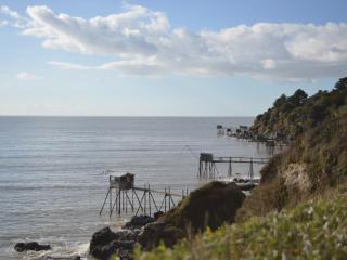 Appartement face mer avec piscine-200 mètres plage - La Bernerie-en-Retz vacation rentals