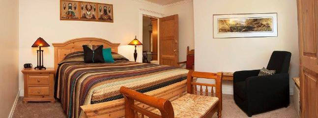Tangren House Luxury Inn ~ Moab Room 4 - Image 1 - Moab - rentals
