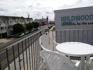 Breezy, Bright, Beachblock 1 BR Condo, Ocean View - Wildwood vacation rentals
