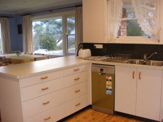 Clean, comfortable, budget accommodation - Tuross Head vacation rentals