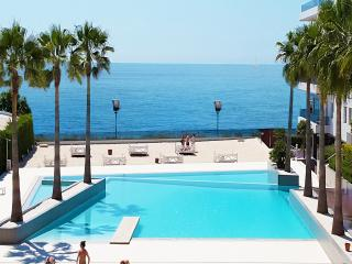 Beautiful 3 bedroom Playa d'en Bossa Apartment with Internet Access - Playa d'en Bossa vacation rentals
