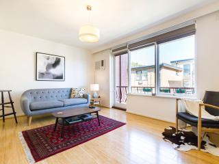 Perfect 2 bedroom St Kilda Apartment with Internet Access - St Kilda vacation rentals
