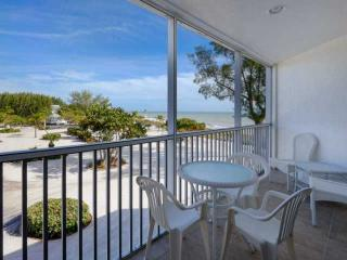 Kimball Lodge - 305 - At The Historic Island Inn!!! - Sanibel Island vacation rentals