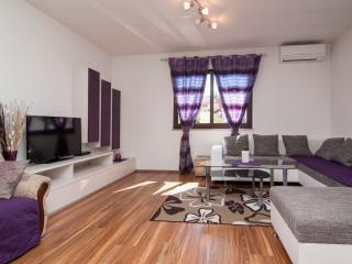 TH00037 Apartments Suki / Three bedrooms - Rovinj vacation rentals
