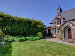 Nice Cottage with Internet Access and Television - Llandderfel vacation rentals