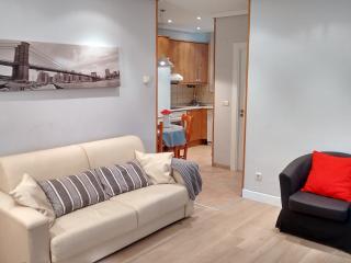 Apartament 8 plac 5 min beach WIFI - San Sebastian - Donostia vacation rentals