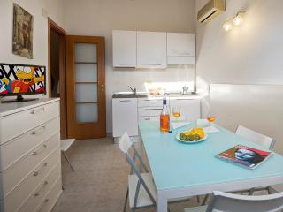 Appartamenti Palmaria- Bilocale a 100mt dal mare - Diano Marina vacation rentals