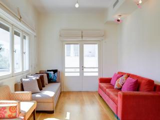 2 bedroom Apartment with Internet Access in Tel Aviv - Tel Aviv vacation rentals