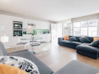 Notting Hill Central Apartment up 7 people - London vacation rentals