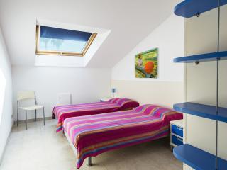 Appartamenti Palmaria-Ampio bilocale in centro - Diano Marina vacation rentals