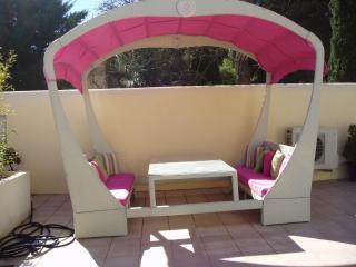 BEL APPARTEMENT 90 M2 avec cour gazebo et plancha - Loupian vacation rentals