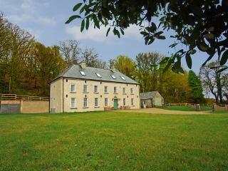 Spacious House with Internet Access and Parking - Baltinglass vacation rentals