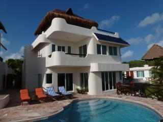 Casa Azul del Caribe - Tranquil Oceanfront Home - Isla Mujeres vacation rentals