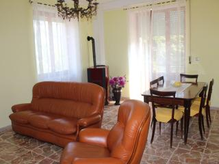 3 bedroom Condo with Parking in Acquasanta Terme - Acquasanta Terme vacation rentals