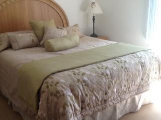 Cozy Condo with Views 30 Minutes from San Francisc - Hayward vacation rentals