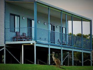 Nutkin Lodge - Suite A - Possum's Place - Peaceful Bay vacation rentals