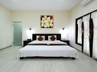 Villa 4 Bedrooms Deluxe Seminyak + Breakfast - Seminyak vacation rentals
