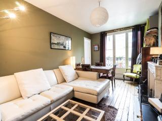 Bed and Breakfast at Domingo Rooms in Beaubourg, P - Paris vacation rentals