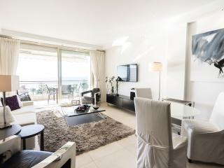 Cannes Croisette 2 bedroom 80m² 4 PAX panoramic pa - Cannes vacation rentals